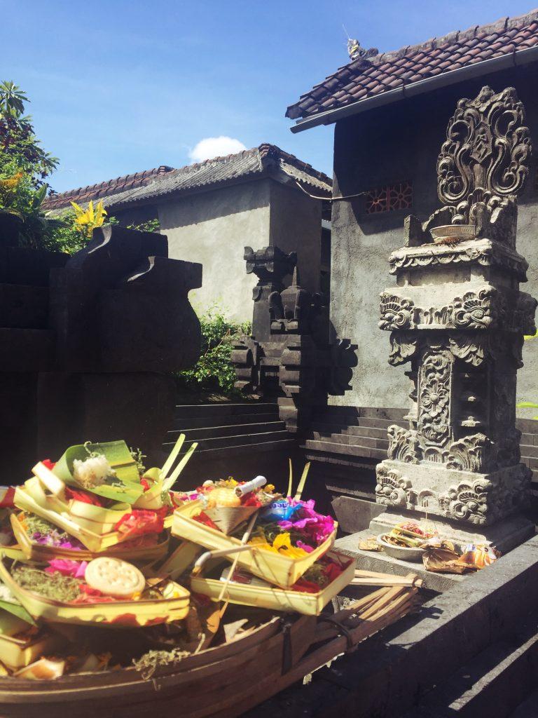 Bali - offrandes moonstone