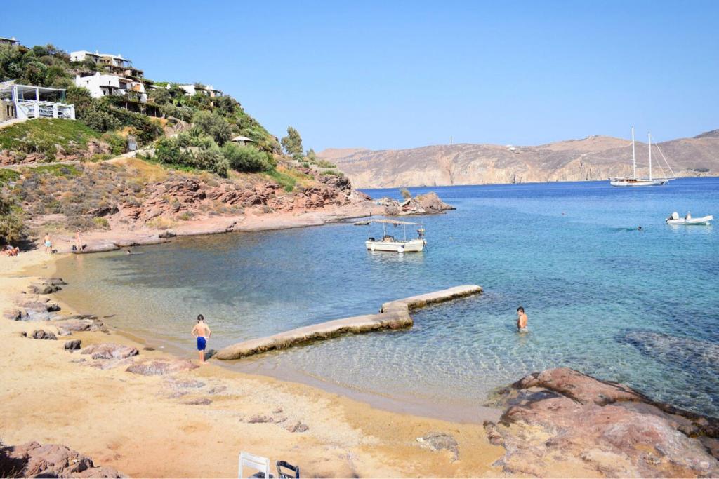 Les magnifiques plages de Mykonos, aux Cyclades